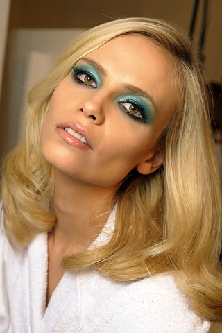 cute eye makeup ideas for blue eyes. eye makeup ideas for lue eyes. Summer Bright Eye Make Up Tips