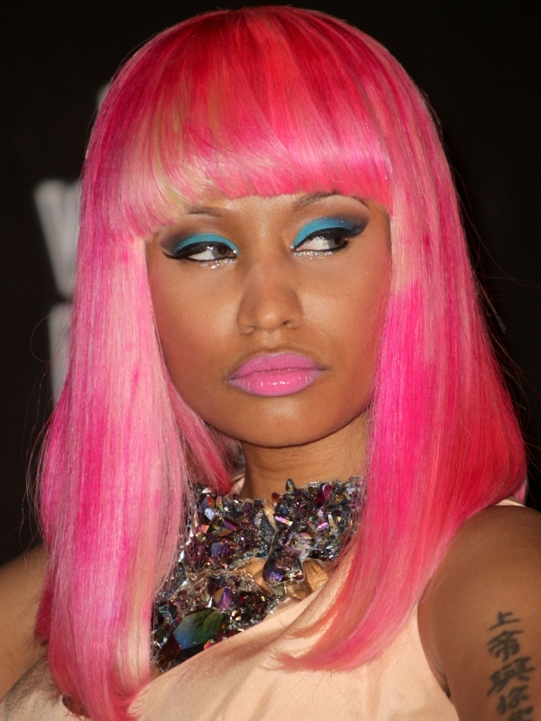 nicki minaj eyes color
