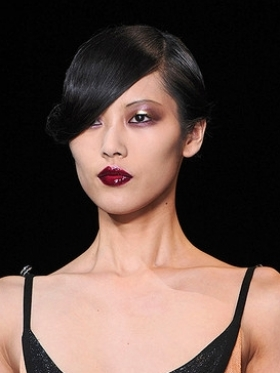 Dark Lips Spring 2011 Makeup Trends
