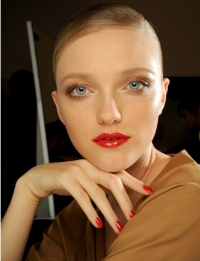 Spring 2011 Bold Lip Makeup Trends