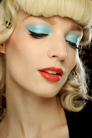 spring summer 2011 eye makeup trends pastel colors. Black Bedroom Furniture Sets. Home Design Ideas