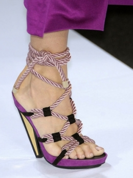 مواضيع ذات صلةMoschino Spring 2012 Handbags ShoesAsh Spring Summer