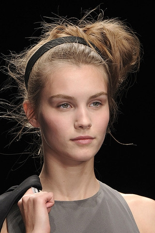 haircuts summer 2011 runway updo hairstyles 1128