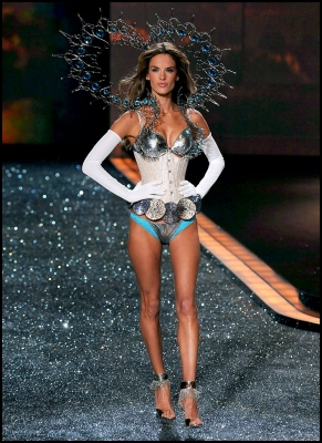 Alessandra Ambrosio is a Brazilian model best known for her work as a Victoria's Secret Angel. This amazing model is also a mom so she can be admired for her amazing figure!