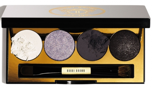 <br /><br />Are you fond of the mysterious and subtle makeup designs? Then the Smokey Eye Palette will give you a thrilling experience with all the charming hues as well as the eyeliner and base color as well as dramatic shade included here offered by Bobbis NEW Long Wear Eye Paint collection. The colors that keep millions on their toes are: Ivory, Heather Lilac Metallic, Charcoal and the additional Port Long Wear Eye Paint. <br /><br />