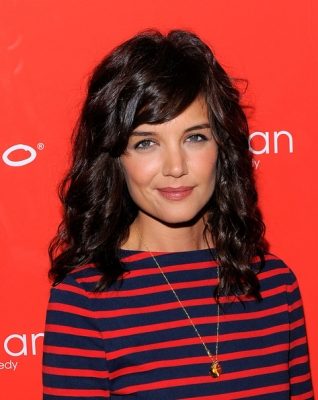 <br />Long is the real deal when it comes of 2010 especially when it comes of Katie Holmes. Undoubtedly the lush curls paired with her young features ad radiating allure all contributed to the success of her new look. The young actress this time decided to get back to basics and sport an oh-so-popular hair lenght and color. We're looking forward to see some brand new hair style ideas in the evolution of this rising hair style chameleon.<br /><br /><br /><br />