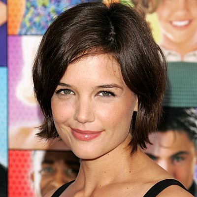 <br /><br /><br />However the year preserves a bigger surprise than we thought. Thanks to the craze that surrounded the newly discovered Bob do, Katie Holmes decides to say goodbye to her long and wavy strands and go for a tousled and stylish short crop. The fans are thrilled and the media is eager to immortalize the new look of the actress.<br /><br />