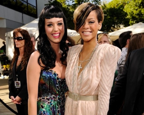 <br /><br />The two super-popular singers are also best friends and Rihanna is also one of the special guests of Katy and Russel on their Indian wedding. The success as well as similar edgy style sense all brought them closer. Moreover Rihanna was also the chief organizer of Katy's bachelorette party. The fans will be able to spot them on the red carpet as well as fashion shows and other events.<br /><br /><br />