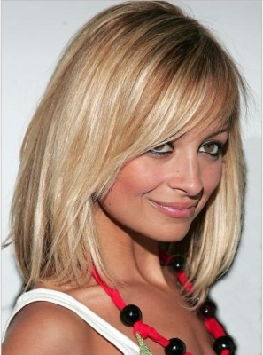 <br />2005 is the actual breakthrough in the style evolution of Nicole Richie. She decides to trim her locks and adopt a Bob do which will turn out to be one of her most popular hairdo choices all throughout the years. The fab design flattered her face shape and masked the squarish and sharp features offering her appearance a more healthier image. <br /><br />