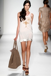 Spring Summer 2011 Minimalist Fashion Trends