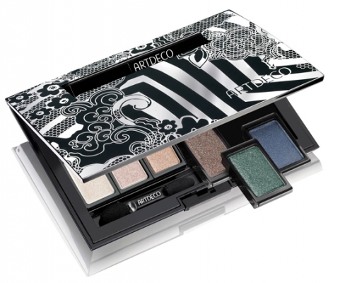 <br />Function is fused with beauty in this stylish makeup box that includes 6 eyeshadow shades as well as an embedded lipstick compartment. The hues you can tint your lids with are: Glam Star- Platinum, Bourbon, Earth, Green as well as Blue. The shimmery colors would definitely attract the immediate attention to your glimpse. <br /><br />