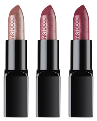 Top your high class makeup with a stylish lip tone enhanced with the glittery particles as envisioned by Artdeco for the holiday season. Pick the desired shade from Glam Star-Champagne, Raspberry, Cassis and also Blackberry. The holidays are the perfect occasion to flash your makeup still therefore go for the latest lip trends.<br /><br />