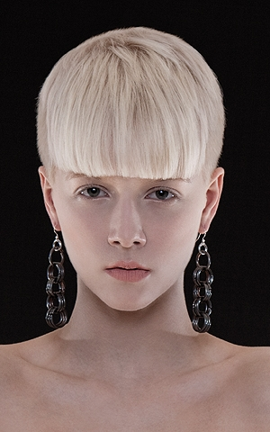styles for short hair with bangs. Chic Bold Bangs Hair Styles