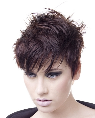 short hair styles for round faces