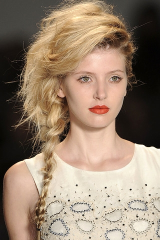 hair styles for your summer 2011 braided runway hair styles 2850