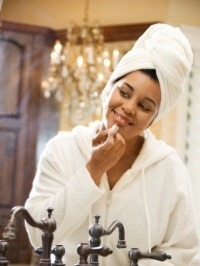 Natural Remedies to Lighten Dark Lips