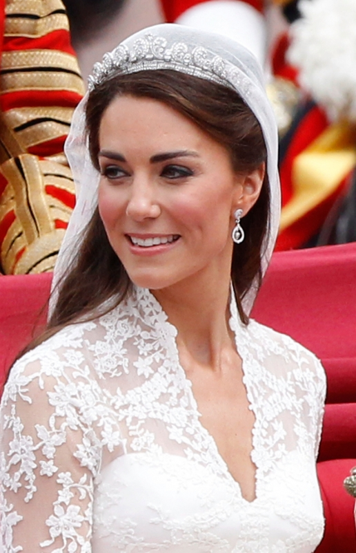 wedding hair styles with veil kate middleton wedding hairstyle and makeup 4409