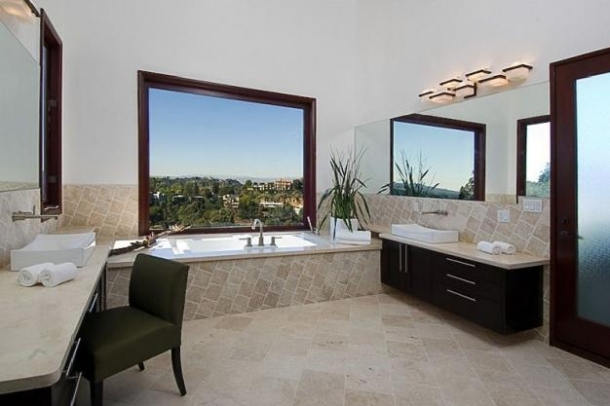 rihanna home 10 thumb Rihannas Home in Beverly Hills, California   Los Angeles Platinum Triangle Beverly Hills Real Estate 90210 Bel Air Holmby Hills Sunset Strip Hollywood Hills Luxury Estates Mansions Celebrity Homes Homes For Sale Listings Realtor Real Estate – http://ww