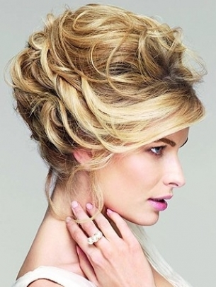 Loose Updo Hair Style