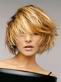 Glam Medium Haircut Ideas