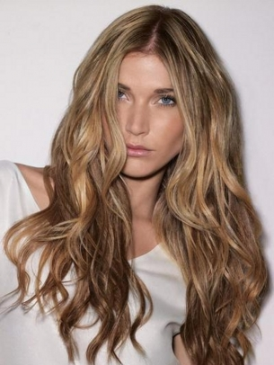 Messy Waves Hair Style