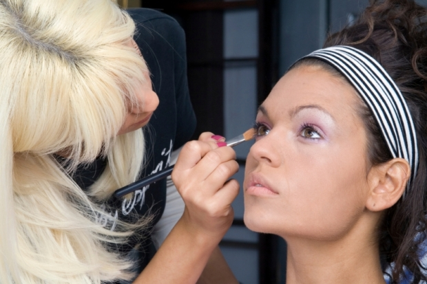 Makeup Artist Beauty Tricks