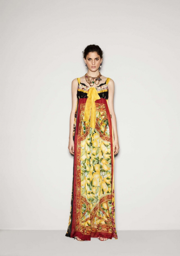 http://static.becomegorgeous.com/img/arts/2011/Aug/17/5185/dolcegabbana15.jpg