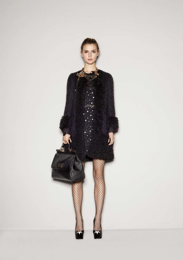 http://static.becomegorgeous.com/img/arts/2011/Aug/17/5185/dolcegabbana76.jpg