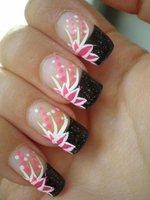 floral nail art 2 thumb stylish nail art purple polish nails decorated with flowers nails art with flowers modern look manicure in pink French manicure Flowers nails art beautiful manicure