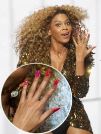 Celebrity Stiletto/Pointy Shaped Nails