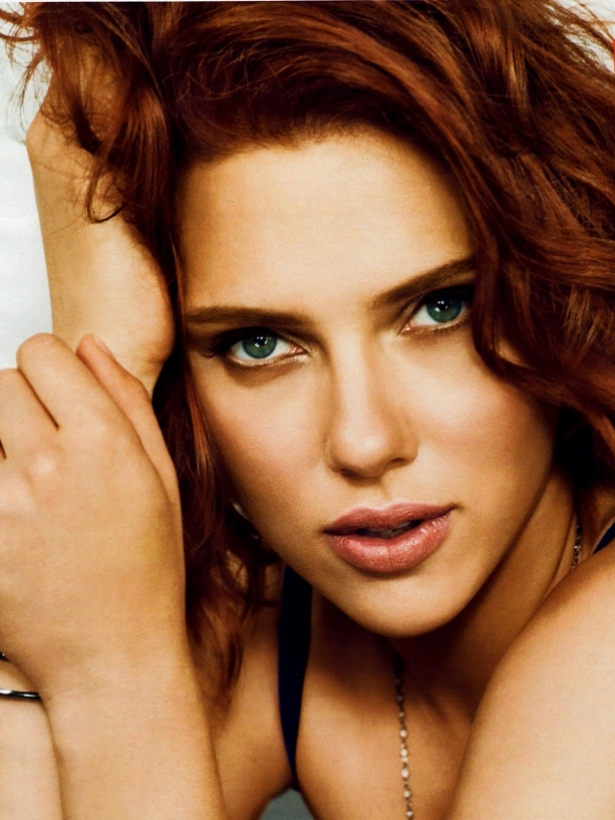 Scarlett Johansson Covers Cosmopolitan January 2012