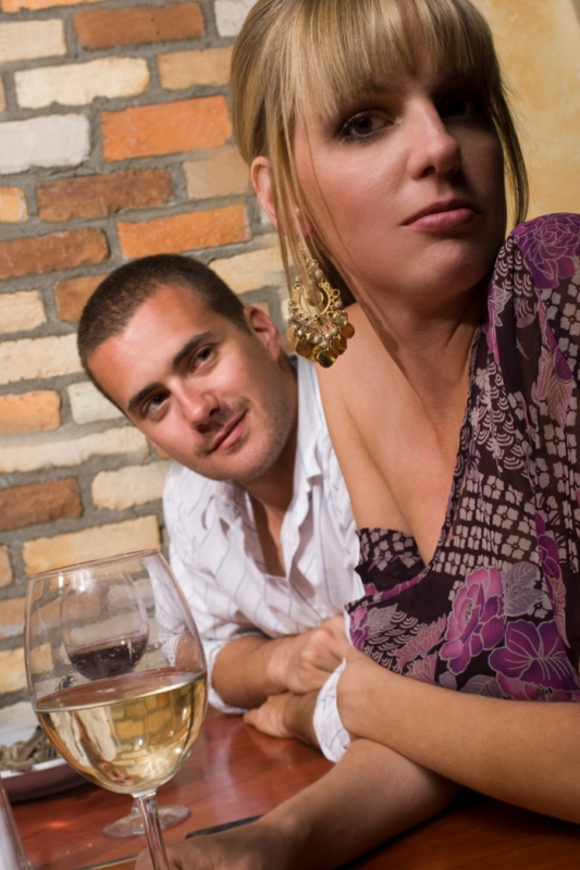 casual dating mixed signals Mixed signals on social life the popularity of dating websites is one sign that many people are trying different ways to find another person to satisfy.