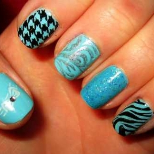 abstract nails thumb Stylish manicure perfect manicure new trend in manicure nails design nails art nail art manicure in blue decorated nails Blue nails design