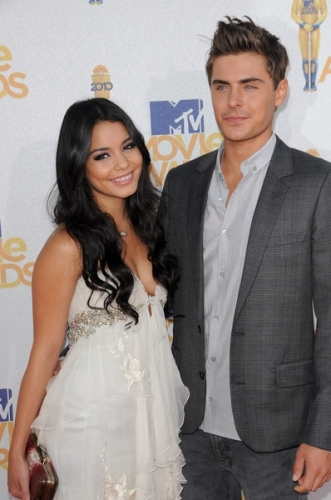 Zac Efron and Vanessa Hudgens<br />This young Hollywood couple shocked their fans when they decided to call it quits after a 4 year relationship. Zac Efron and Vanessa Hudgens were a hot and popular item and a favorite among teenager fans so the disappointment of the split was considerable. Do you think this couple still has a chance of reconciliation?