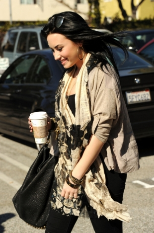 Demi Lovato Suffering from Eating Disorder