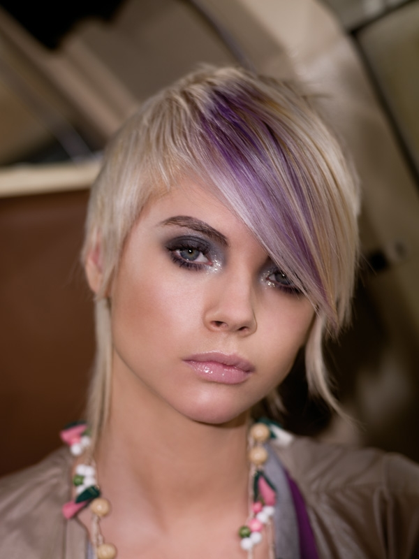 dark hair with pink highlights. dark brown hair pink highlights. highlights for dark brown hair; highlights for dark brown hair. Funkymonk. Apr 19, 10:48 AM