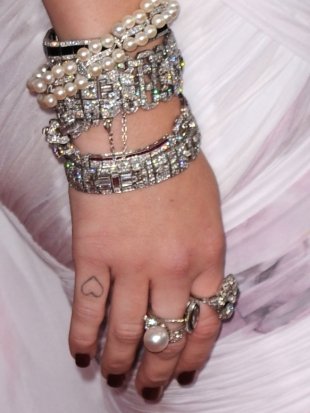 Miley Cyrus Finger Tattoo