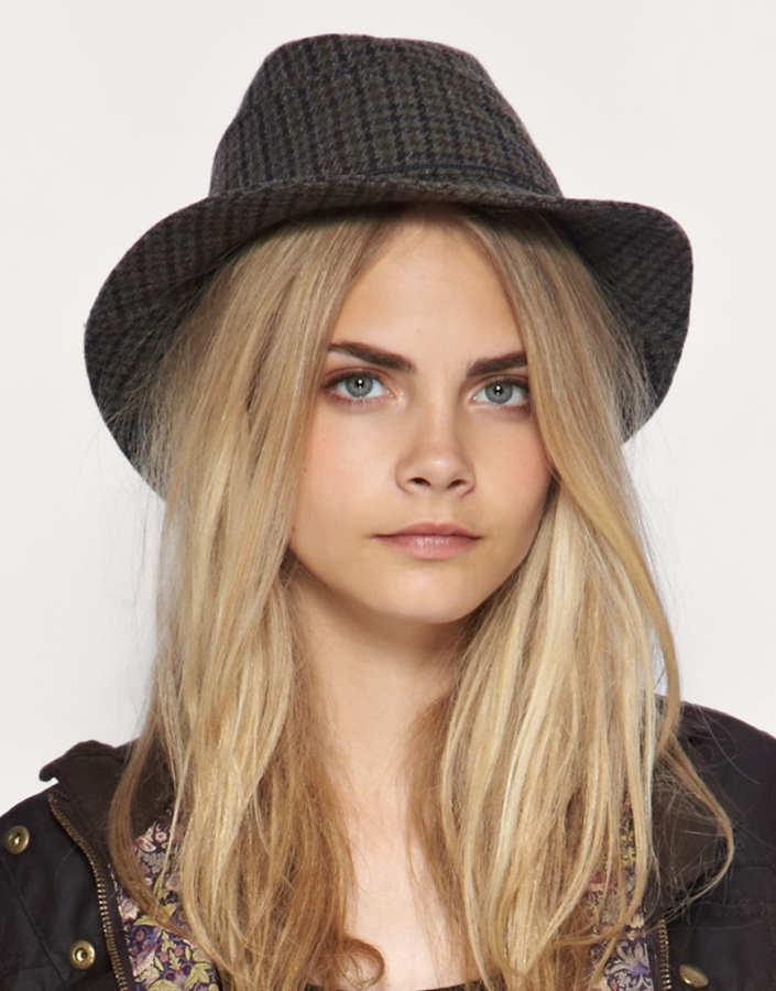 Stylish Hat Trends 2011. Stylish Cool Girl With Hat
