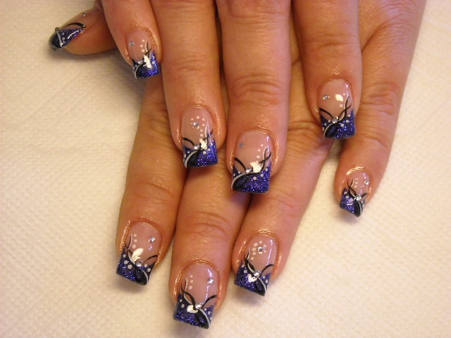 Simple and Cool Nail Art Ideas 2011 | Makeup Tips and Fashion