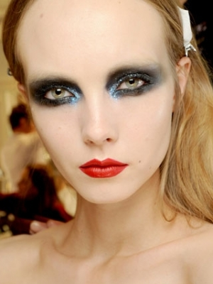 Dramatic DIY Eye Makeup Ideas