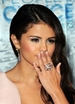 Selena Gomez Removes Purity Ring