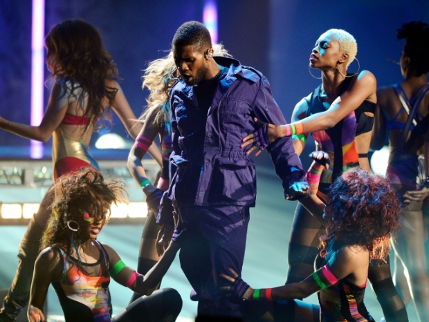 Usher Cancels Berlin Concert While Performing