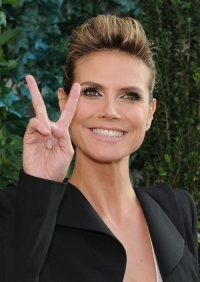 Heidi Klum to Give Online Advice