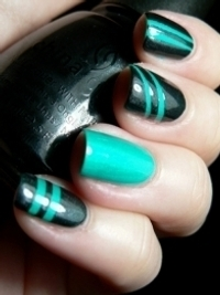 Pretty Holiday Nail Art Designs