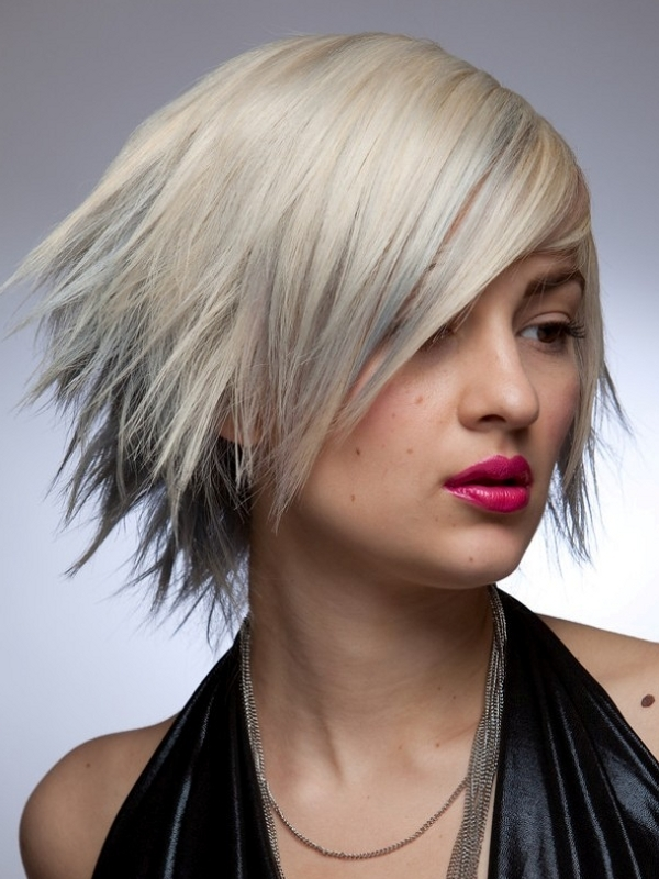 Trendy Short to Mid-length Haircuts|