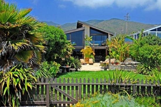 Goldie Hawn and Kurt Russell Selling Malibu Home