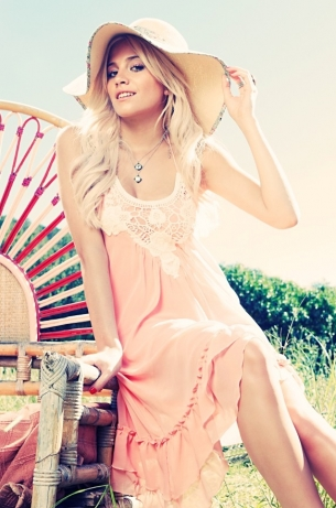 Pixie Lott for Lipsy Summer 2011 Collection