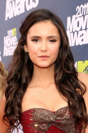 nina dobrev hair color. Nina Dobrev