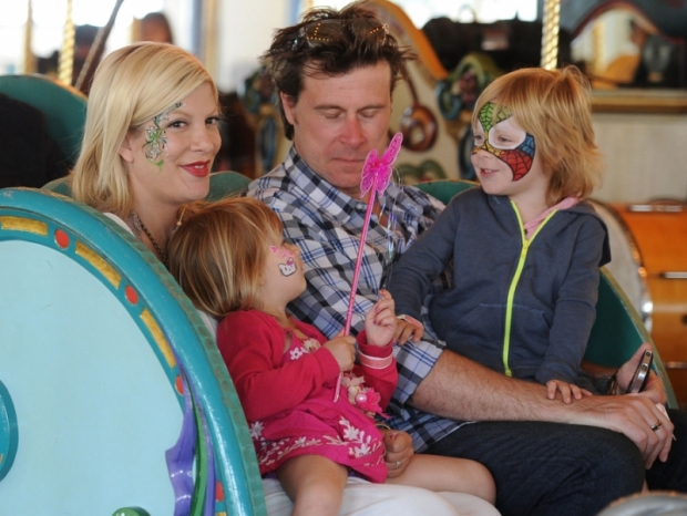 "Tori Spelling Involved in Car Accident After Being ""Chased"" by Paparazzi"