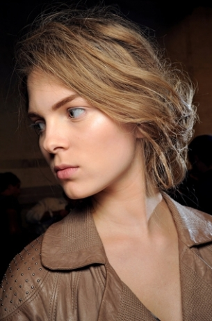 Cool Up Styles for Long Hair